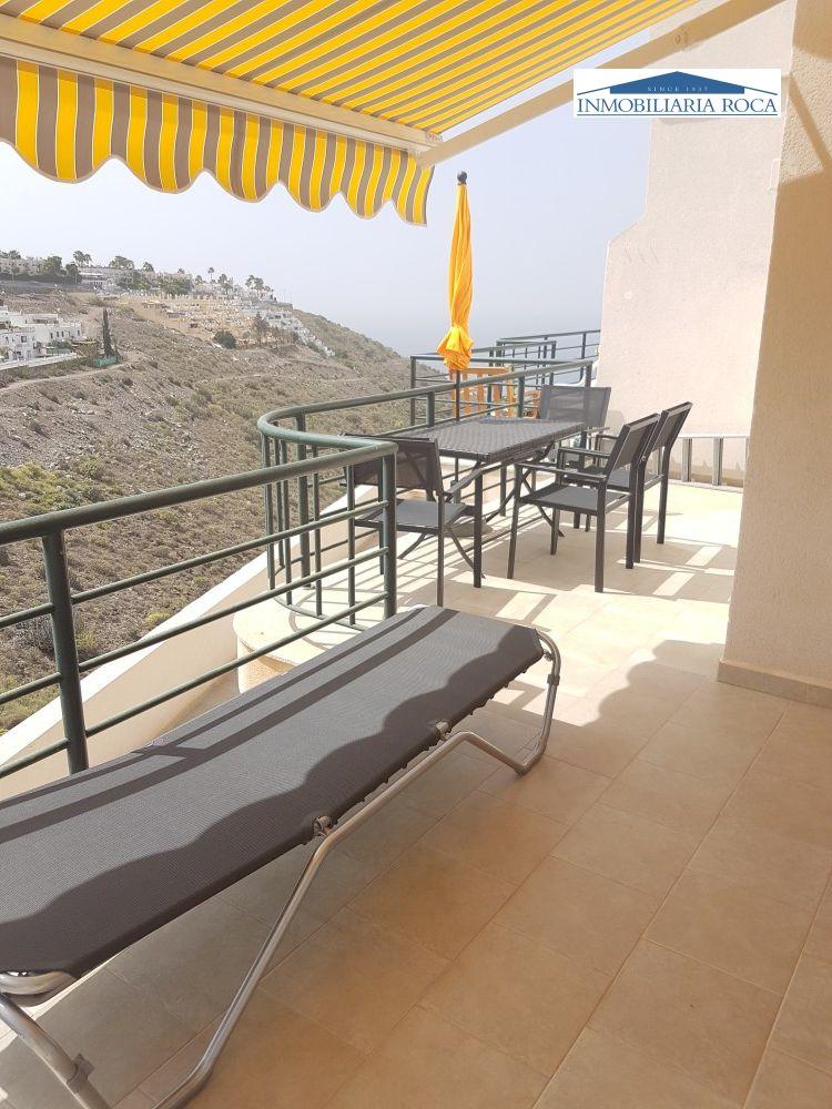 Inmobiliaria roca amplio apartamento moderno en peque o for Roca inmobiliaria